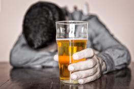 مقتل العشرات في إيران إثر تناول مشروبات كحولية فاسدة