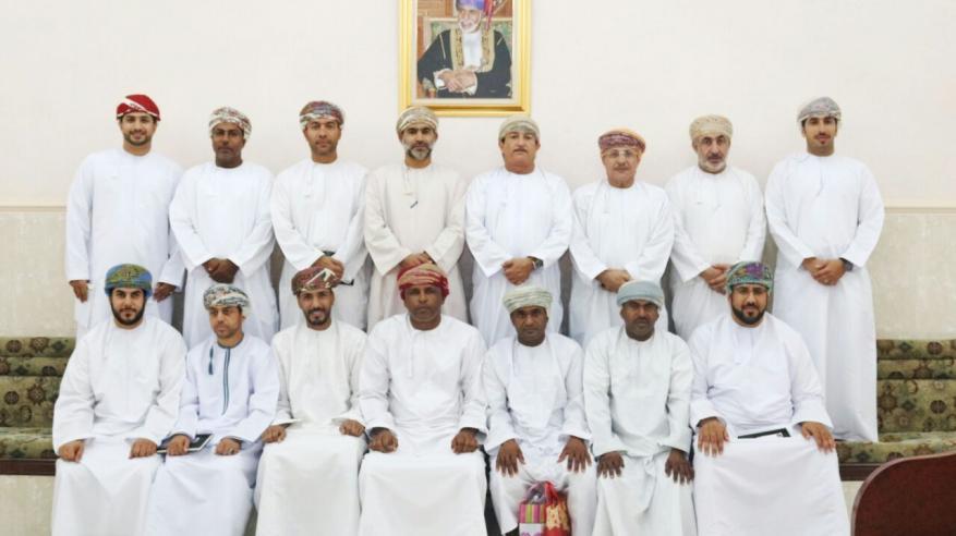 فريق الجزيرة بالرستاق يكرم المجيدين في الحفل السنوي