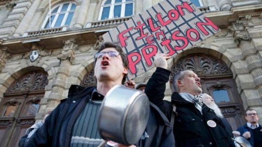 فرنسا: فيون يتراجع عن تعهداته بالانسحاب من الانتخابات الرئاسية