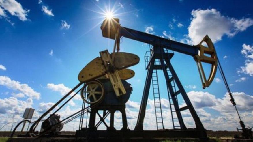 """تراجع طفيف لنفط عمان.. و""""برنت"""" يرتفع مع انخفاض الإنتاج"""