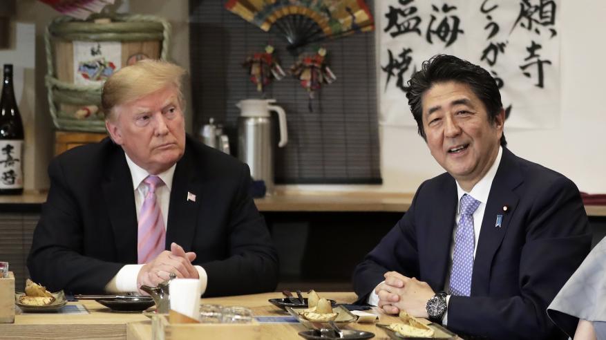 ترامب يحث اليابان على ضخ مزيد من الاستثمارات.. وطوكيو تسعى لعدم فرض رسوم على صادراتها لأمريكا