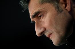"""فالفيردي يخرج """"وكيكي"""" يدخل.. جماهير كتالونيا تنتظر المدرب الجديد"""