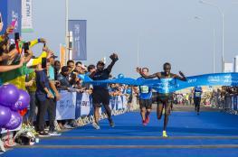 العداء الكيني كورير بطلاً لماراثون الموج مسقط وصدارة عُمانية في سباق 10 كم