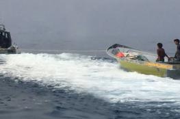 شرطة خفر السواحل تقدم المساعدة لقاربين في مسندم