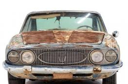 """سعر خيالي لسيارة """"مازيراتي"""" موديل 1996 مملوكة لسعودي"""