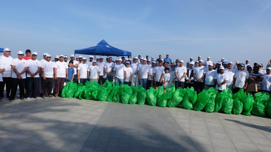 صورة جماعية للمشاركين في الحملة