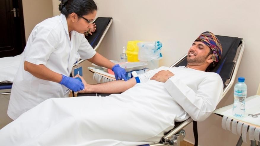 حملة للتبرع بالدم بالتعاون بين مجلس الاختصاصات الطبية وجامعة السلطان قابوس