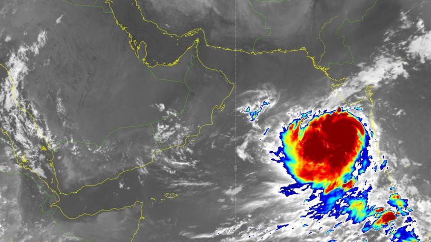 تطور الحالة المدارية في بحر العرب الى إعصار مداري