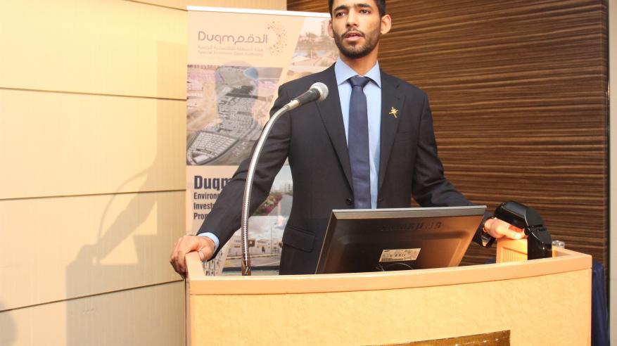 مهنا السناني يقدم عرضا مرئيا عن إثراء