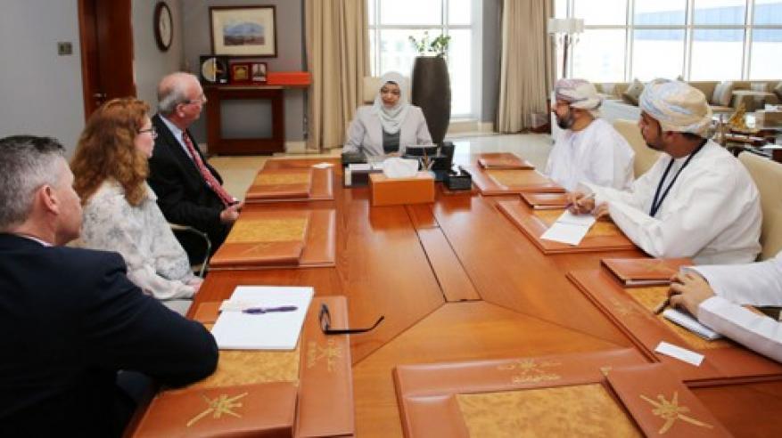 وزيرة التعليم العالي تناقش مع وفد جامعة بوردو الأمريكية تعزيز مجالات التعاون الأكاديمي وتطوير العملية التعليمية