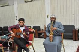 إبداعات عمانية تطرب مسامع لجنة تحكيم جائزة الرؤية لمبادرات الشباب بفئة الموسيقي