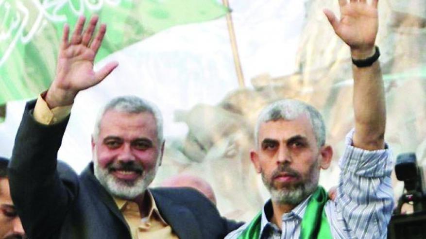 """""""حماس"""" """"تغسل"""" يدها من """"الإخوان"""" وتخفف موقفها من إسرائيل"""