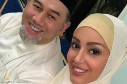 شاهد .. ملكة جمال روسيا تنشر صورها مع زوجها ملك ماليزيا
