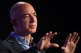 """أغنى رجل في العالم يربح 140 ألف دولار مع كل """"شهيق وزفير"""""""