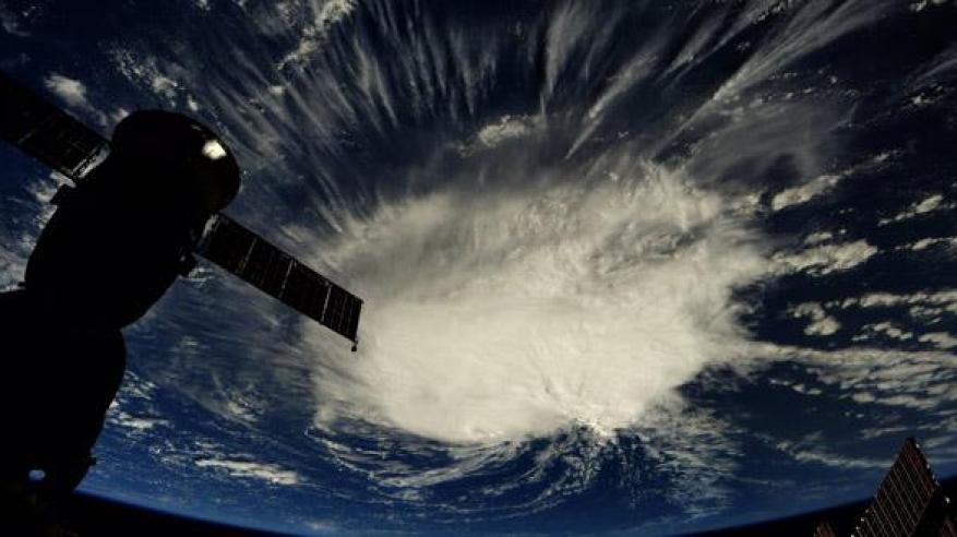 """إعلان حالة الطوارئ في أمريكا بسبب إعصار """"فلورنس"""""""