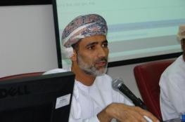 عميد تربية جامعة السلطان قابوس يحصل على جائزة المحكم المتميز