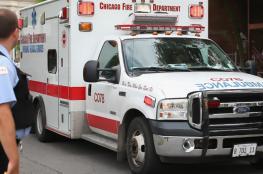 بالفيديو.. أمريكي يسرق سيارة إسعاف بالمسعفين والمريض