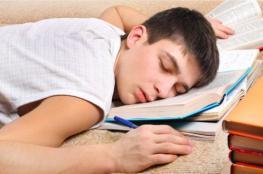 المراهقون يحتاجون إلى أوقات نوم صارمة