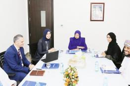 وزيرة التعليم العالي تتفقد جامعة مسقط