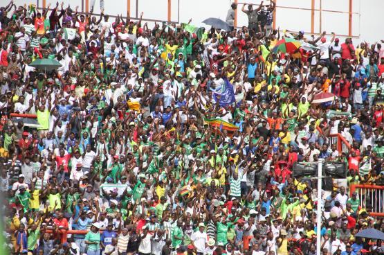 مقتل مشجعة بسبب التدافع في زيمبابوي