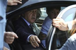 """تركيا: أردوغان يوظف محاولة الانقلاب لصالحه ويعتبرها """"هدية من الله"""" للتخلص من خصومه في الجيش والقضاء"""