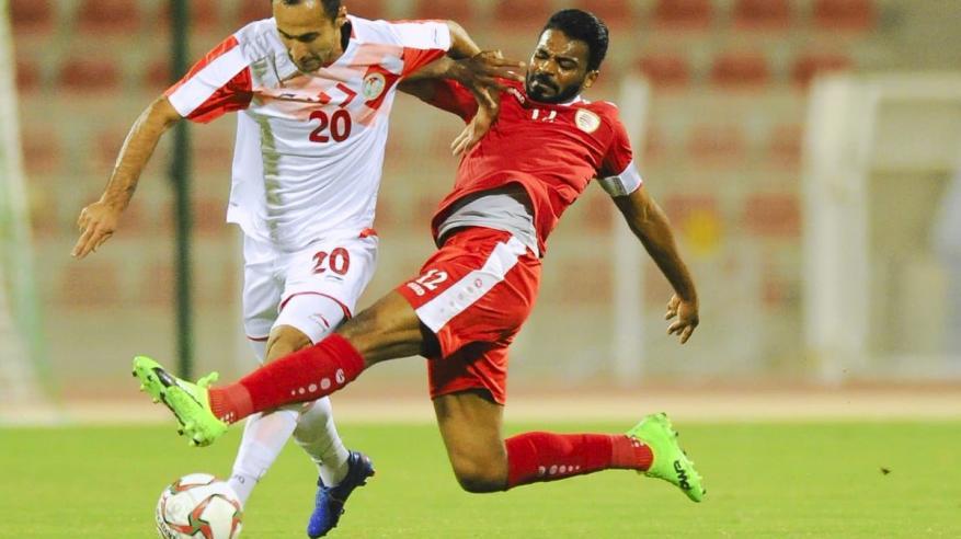 """""""الأحمر"""" يبحث عن التكتيك الهجومي أمام طاجيكستان"""