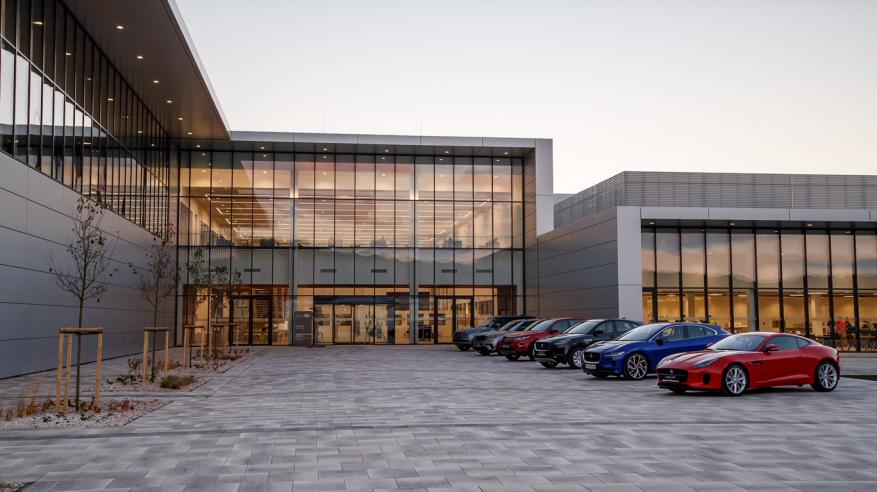 JAGUAR LAND ROVER OPENS MANUFACTURING PLANT IN SLOVAKIA (1)