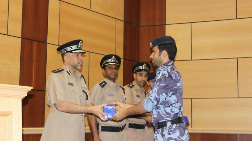 اختتام دورة تأهيل وتطوير المهارات للرتب الأخرى (شرطي)