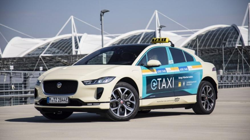 JAGUAR LAUNCHES GERMANY'S FIRST ALL-ELECTRIC TAXI FLEET (2)