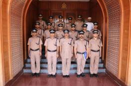 قيادة شرطة محافظة مسقط تختتم دورة تثقيفية في الجوانب القانونية
