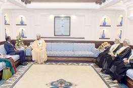 نيابة عن جلالة السلطان.. السيد أسعد يودع سفير سيرلانكا