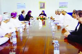 البوسعيدية تطلع على المستجدات الأكاديمية في كلية عمان البحرية والتطبيقية