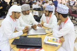 """تدريب مكثف على برمجة الراسبيري في الأسبوع الأول من """"100 مبتكر عماني"""""""
