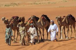 قافلة حداء الصحراء تكتشف جمال رمال بدية