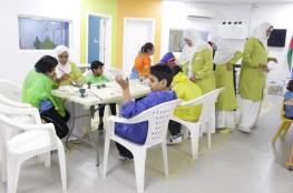 الأطفال ذوو الاحتياجات الخاصة يلونون الفخار ومسرحيتان في صلالة والبريمي وطرب في مسقط