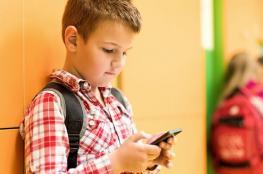 سؤال إجباري لمواكبة التطور: الهواتف الذكية في أيدي الأطفال نعمة أم نقمة؟