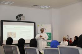 """""""البحث العلمي"""" يستضيف وفدا طلابيا من كلية عمان للسياحة"""