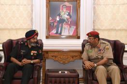 وفد عسكري هندي يتعرف على مرافق كلية الدفاع الوطني