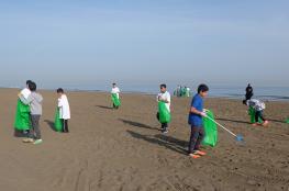 بلدية مسقط تبدأ حملة نظافة للشواطئ والمتنزهات تمتد 6 أشهر