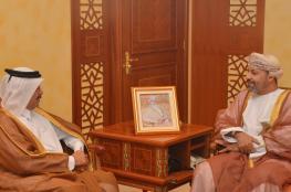 وزير الداخلية يتسلم دعوة لحضور معرض أمني في قطر