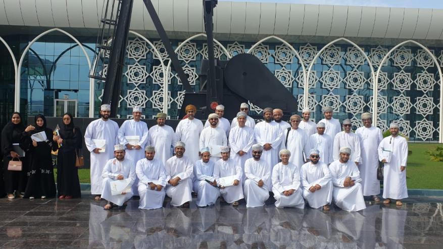 """اختتام دورتين تدريبيتين بـ""""مركز خدمة المجتمع"""" في جامعة السلطان قابوس"""