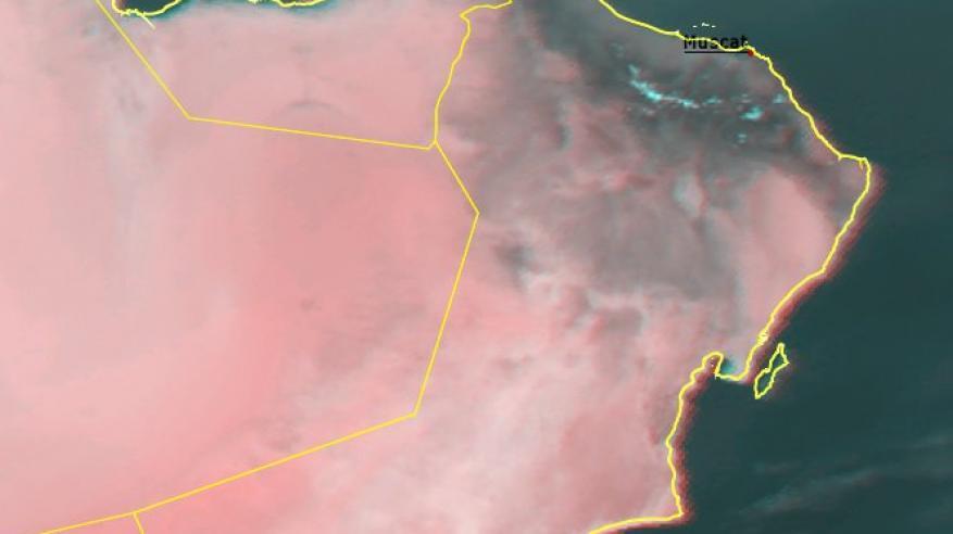 فرص لأمطار رعدية على بعض المناطق.. وتوقعات بحالة مدارية جديدة في بحر العرب