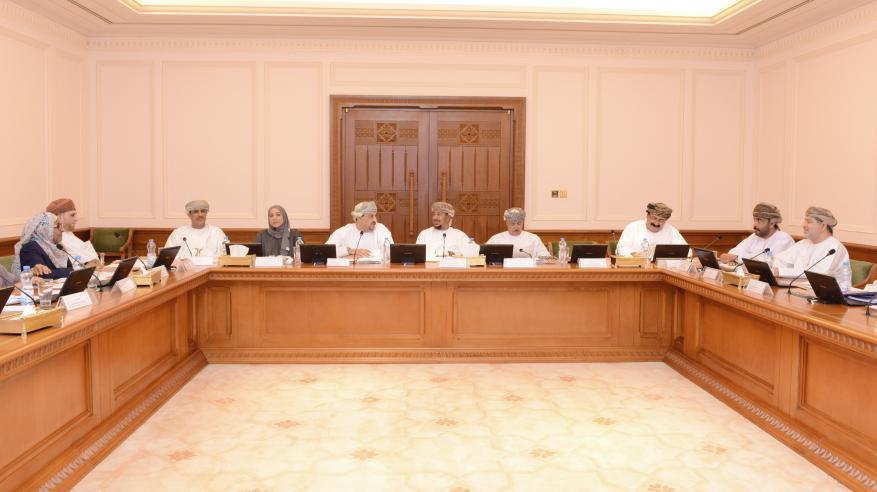 حلقة لتعزيز مهارات موظفي مجلس عمان في دراسة مشروعات القوانين