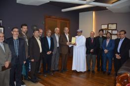 وفد من جامعة فردوسي مشهد الإيرانية يزور كلية الخليج