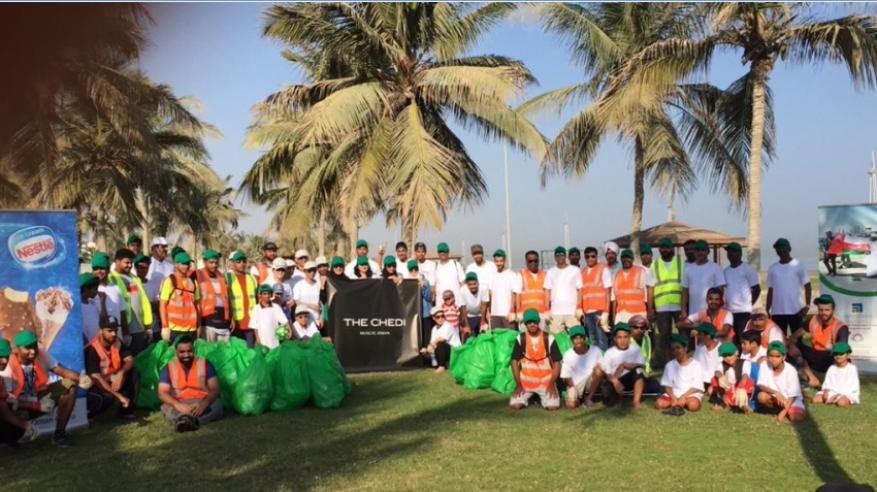 حملة تطوعية لتنظيف شواطئ الغبرة