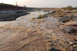هطول أمطار غزيرة وبدء صيانة الطرق بالمضيبي