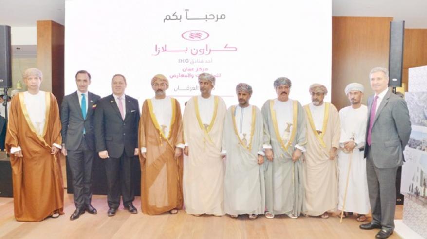 """وزير السياحة: افتتاح ثاني فنادق """"مركز عمان للمؤتمرات"""" في يونيو المقبل"""