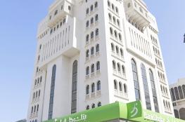 بنك ظفار يرعى فعاليات مهرجان مسقط 2019