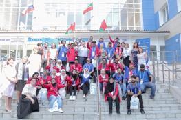 وفد عماني يطلع على برامج كلية الإنشاءات بروسيا