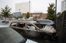 بالصور..شبان يحرقون ويخربون نحو 100 سيارة في مدينة سويدية
